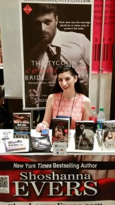 Shoshanna Evers AAD14 Booksigning
